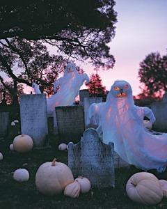 Graveyard decor