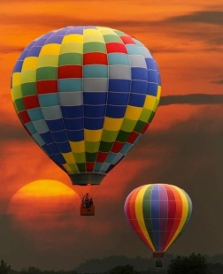 Hot Air Balloon ride can be romantic, but also terrifying. Photo Courtesy of: Pinterest.